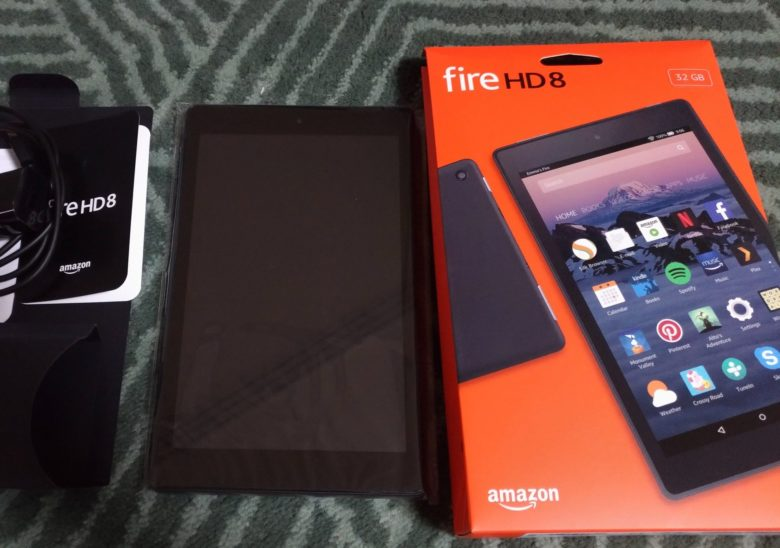 Amazon Fire HD 8と空箱