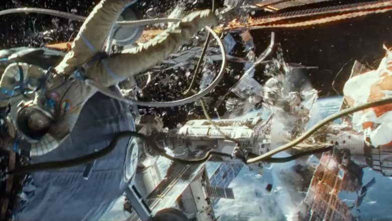 ゼログラビティ 宇宙船が壊れる様子
